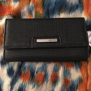 Handbags - BNWT Kenneth Cole black wallet